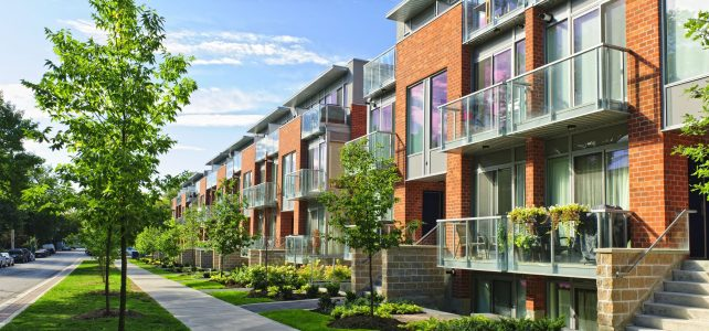 What Is Better to Buy In Hawaii, Condo Or Townhouse