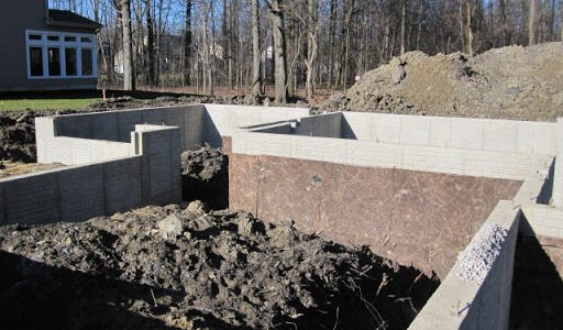 Should You Hire A Home Builder Or Concrete Contractor For Your Home Foundation?